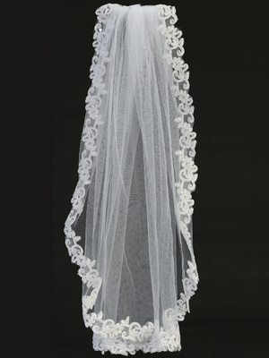 T-305 Veil on comb with corded lace trim