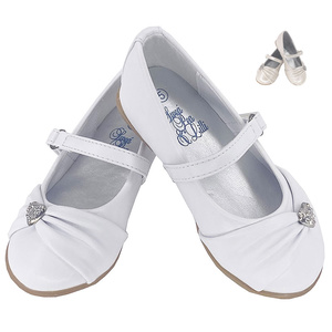 Girl's flat shoes with rhinestone heart and strap