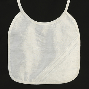 BB-33 Raw silk bib